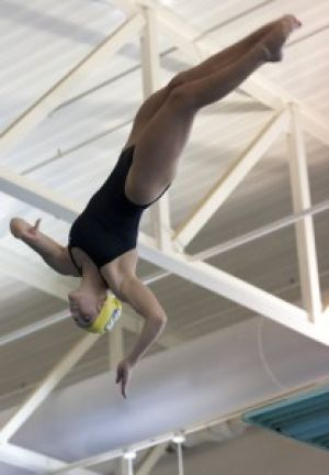 Eagles advance to 6-2 in last home meet of season