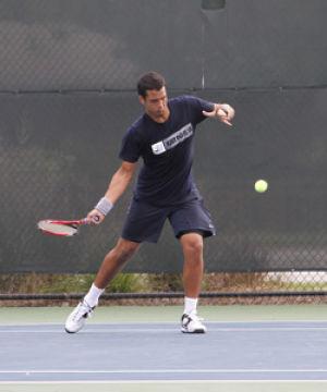 Men's tennis work to 2-2 over break