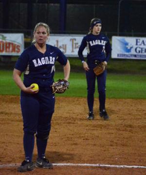 Softball+sweeps+Mercer