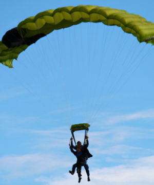 Eagles+soar+in+new+skydiving+club
