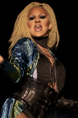 Annual+drag+show+to+rock+Russell
