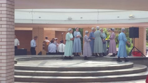 Mennonite group sings and spreads peace