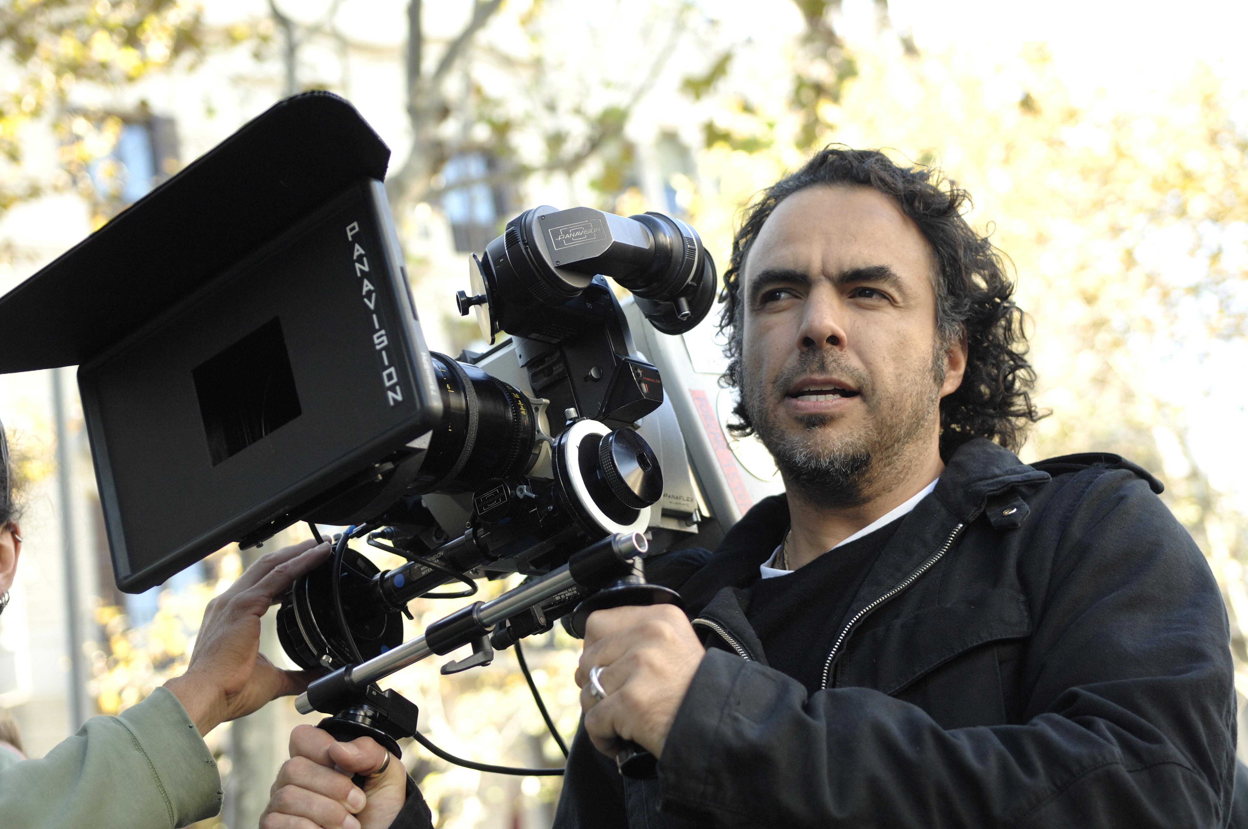 Alejandro Gonzalez Inarritu films on the set of 'Birdman'