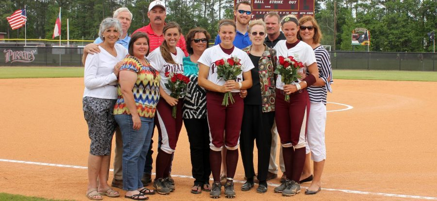 Senior Day Sweep Keeps Pirates at No. 2 in PBC