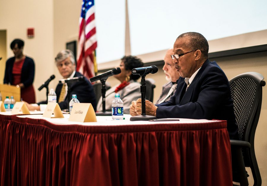 Armstrong+hosts+Savannah+mayoral+debate