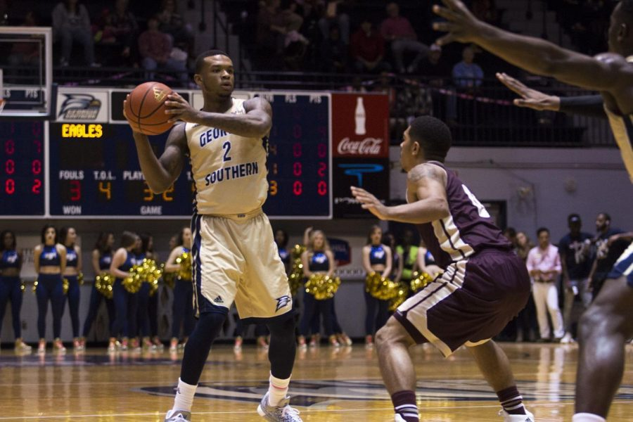 Mike Hughes provides steady presence in sophomore season