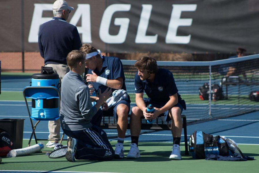 Men's Tennis is off to a strong start in the 2016 season