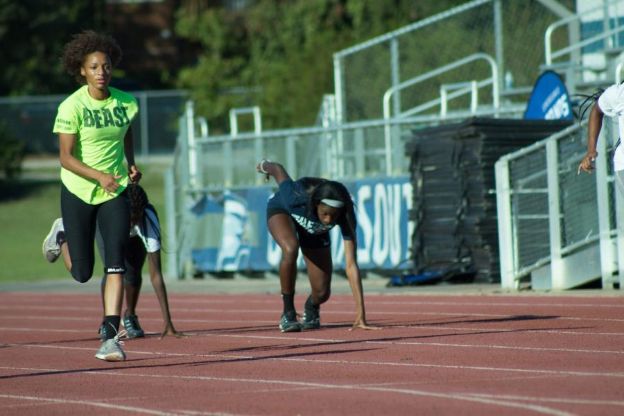 Track and Field breaks records at Lowcountry Invitational