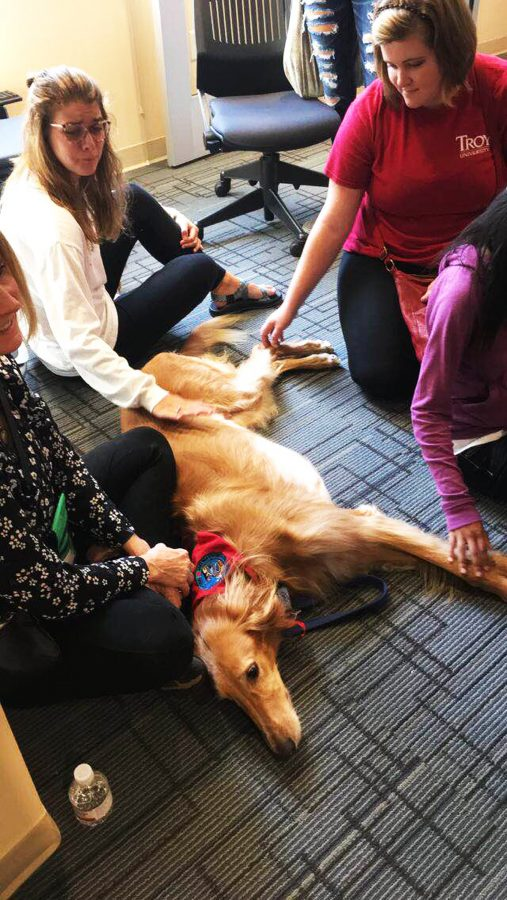Dog+Day+brings+%27good+vibes%27+to+students