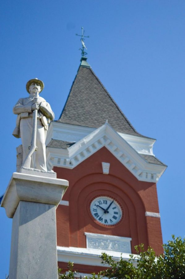 The+statue+is+located+in+front+of+the+Bulloch+County+Courthouse+to+honor+the+lives+lost+during+the+Civil+War.%C2%A0