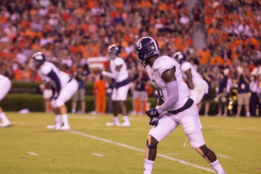 GS+sophomore+wideout+Obe+Fortune+lines+up+to+the+left+of+Shai+Werts+on+the+offense+against+Auburn.+Fortune+has+caught+three+passes+for+21+yards+so+far+this+season.