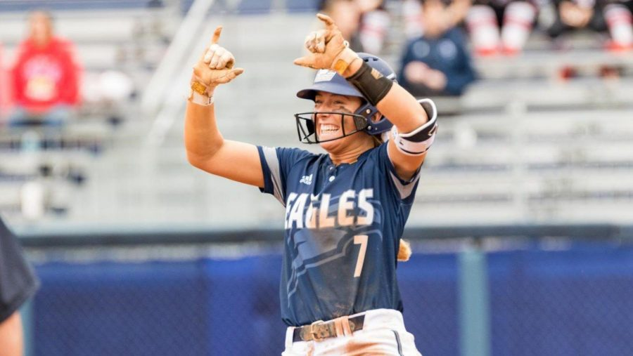 Sophomore+infielder+Shelby+Wilson+leads+the+team+in+RBI+%2820%29+and+walks+%2814%29.%C2%A0%C2%A0