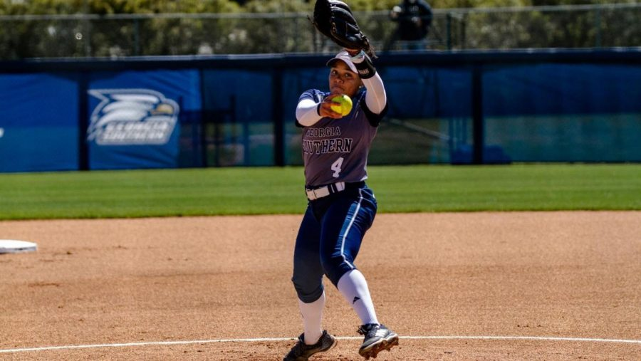 Senior+pitcher+Kierra+Camp+threw+a+two-hitter+shutout+in+Saturday%27s+win+over+UTA.