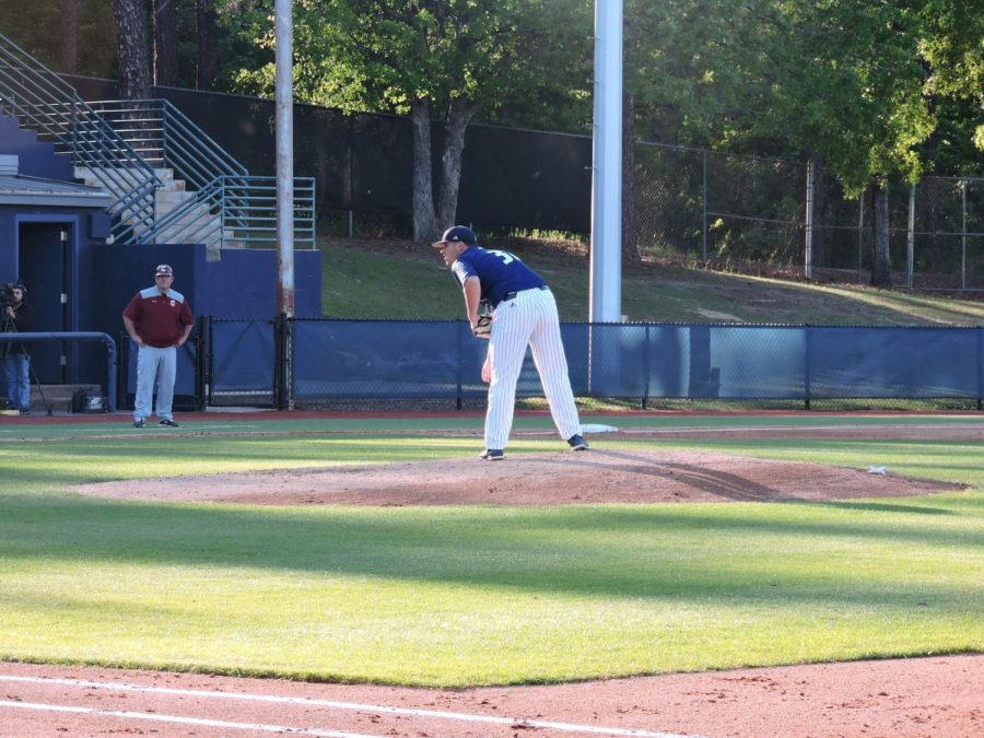 Sophomore+RHP+Braxton+Johns+earned+his+first+start+of+his+career+Tuesday+night+against+College+of+Charleston.