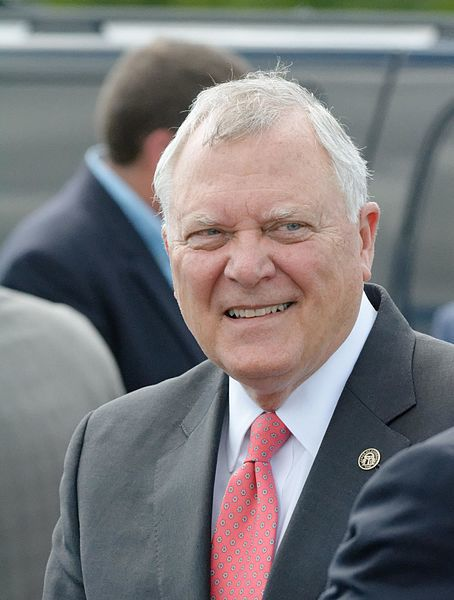 Georgia Governor Nathan Deal will be visiting Statesboro to sign major legislation into law including a hands free driving bill. The new law will prohibit the use of hand held electronic devices while driving.