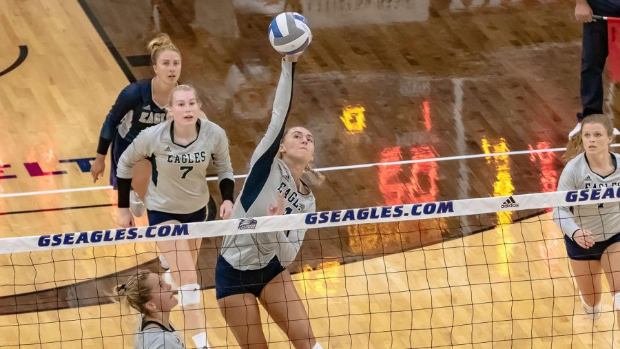 Sophomore+Skylar+Ball+%284%29+had+23+kills+over+the+weekend.%C2%A0