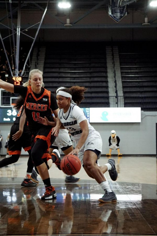Junior+guard+Nakol+Franks+scored+the+game-winning+shot+against+Bethune-Cookman+to+give+the+Eagles+their+second+win+of+the+season.%C2%A0