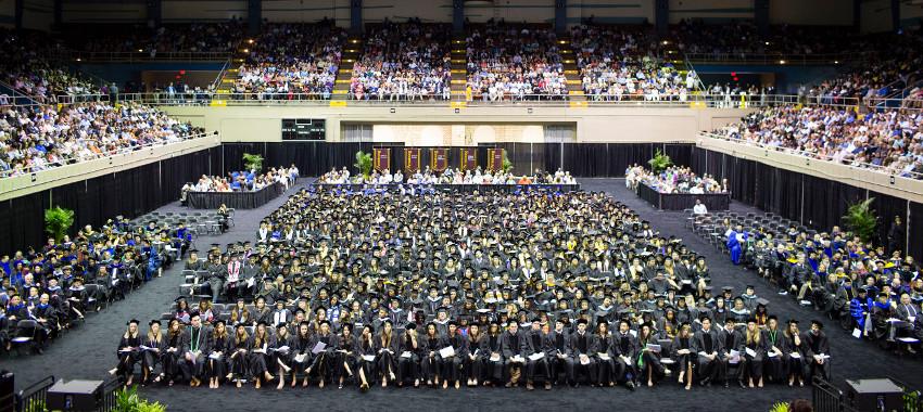 The graduating class of 2017 at the Savannah Civic Center. Armstrong.edu.