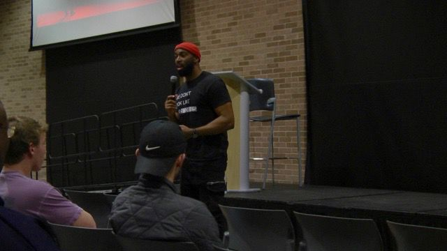 Motivational speaker and rising actor Monti Washington spoke to an intimate group of Georgia Southern University students and faculty on Monday about the power of confidence.