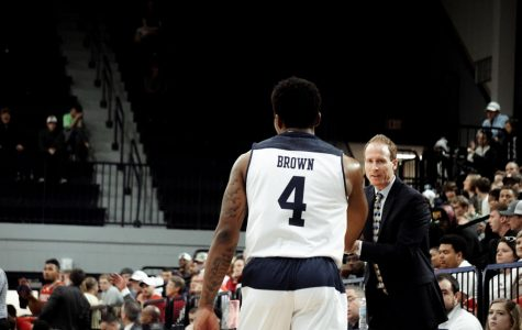 Tookie Brown signed a professional contract to play in Belgium.