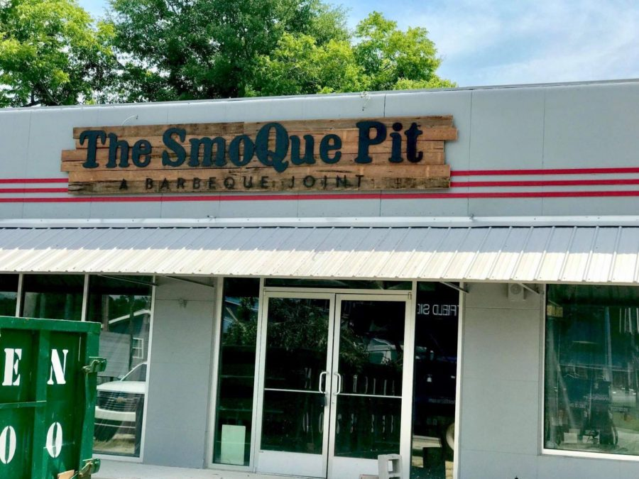 The+owner+of+The+SmoQue+Pit+in+Statesboro+shared+his+thoughts+on+maintaining+a+restaurant+in+a+college+town.