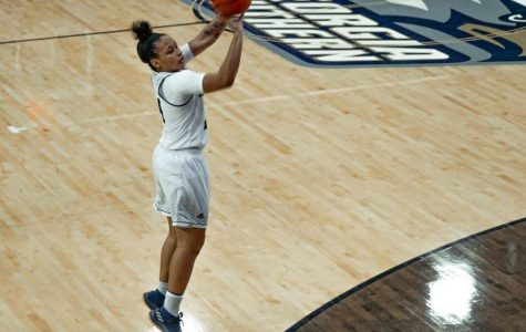 Alexis Brown (4) put up record numbers last season as a junior.