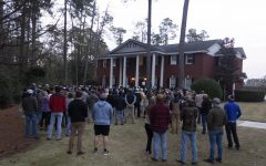 Hundreds attend candlelight vigil for two students killed in accident Sunday
