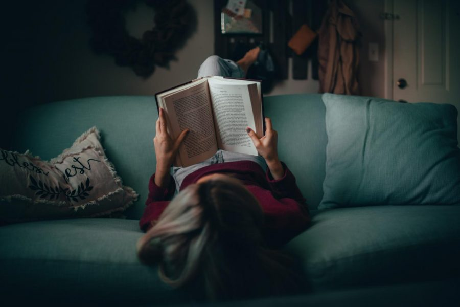How to Start Reading more Books in College