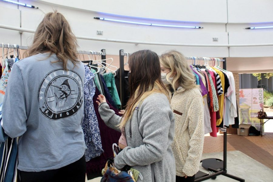 Campus thrift store ends after two-day run