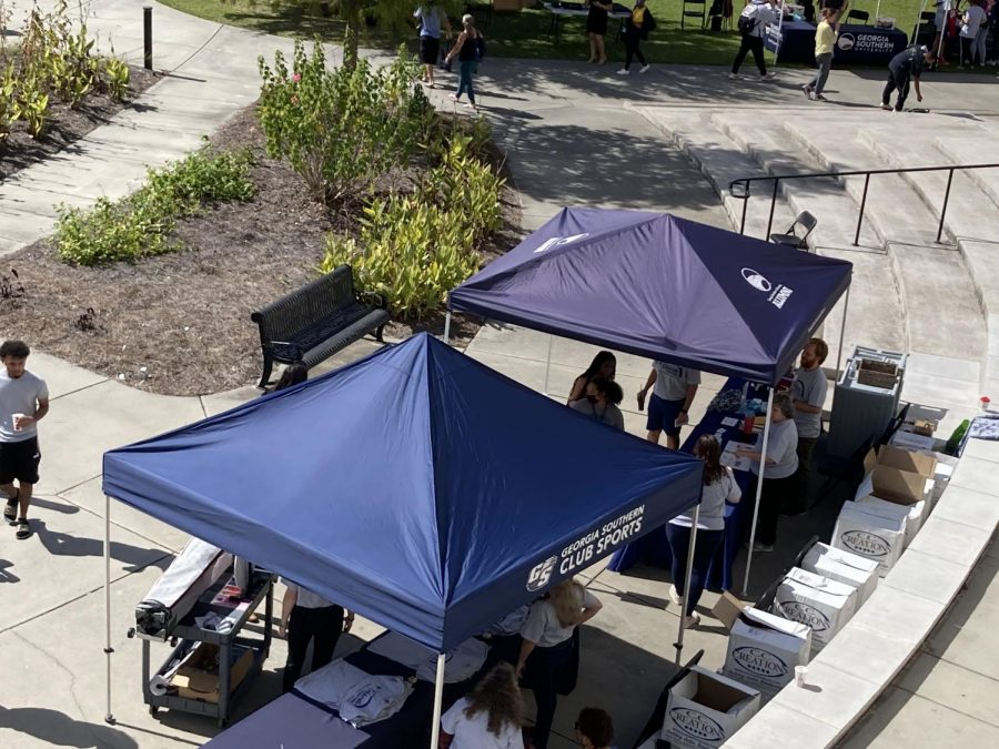 Ariel view of the free-shirt booth